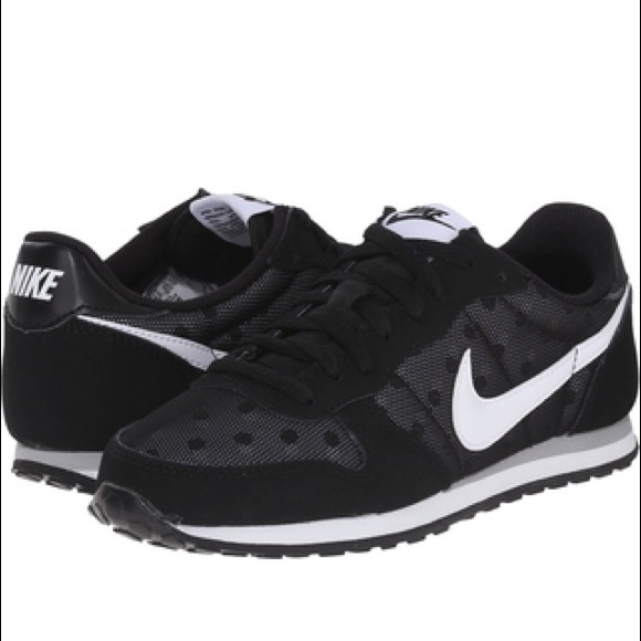 le scarpe nike donne genicco impronta scarpe sz 9 poshmark